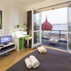 Отель New Town - Apple Apartments Чехия, Прага - 1 отзыв об отеле, цены и фото номеров - забронировать отель New Town - Apple Apartments онлайн комната для гостей фото 5