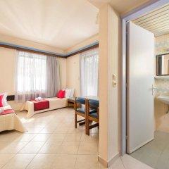 Mariette Hotel Apartments комната для гостей