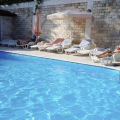 Отель Maini Черногория, Будва - отзывы, цены и фото номеров - забронировать отель Maini онлайн бассейн фото 3