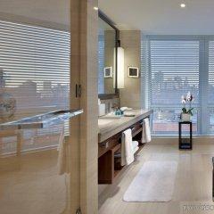 Отель The Langham, New York, Fifth Avenue США, Нью-Йорк - 8 отзывов об отеле, цены и фото номеров - забронировать отель The Langham, New York, Fifth Avenue онлайн ванная