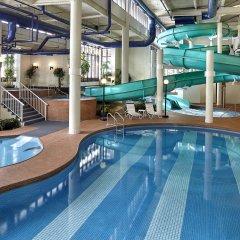 Отель Sheraton Cavalier Calgary Hotel Канада, Калгари - отзывы, цены и фото номеров - забронировать отель Sheraton Cavalier Calgary Hotel онлайн бассейн