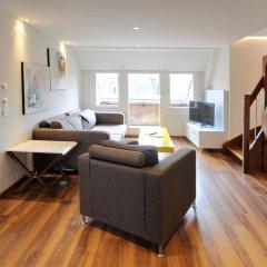 Апартаменты Luxury Apartments by Livingdowntown комната для гостей фото 2