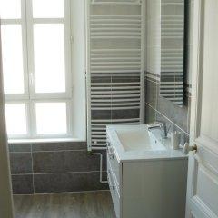 Отель La Maison de Saumur Франция, Сомюр - отзывы, цены и фото номеров - забронировать отель La Maison de Saumur онлайн ванная