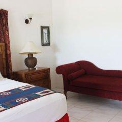 Отель All Nations Guesthouse сейф в номере
