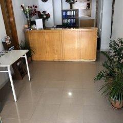 Отель Pasianna Hotel Apartments Кипр, Ларнака - 6 отзывов об отеле, цены и фото номеров - забронировать отель Pasianna Hotel Apartments онлайн интерьер отеля фото 2