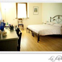Отель B&B Al Sole Di Cavessago Беллуно сейф в номере