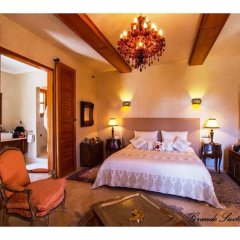 Отель La Lune D'or комната для гостей