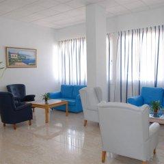 Отель Maistros Hotel Apartments Кипр, Протарас - отзывы, цены и фото номеров - забронировать отель Maistros Hotel Apartments онлайн интерьер отеля фото 2