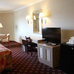 Отель Metro Plaza Hotel США, Лос-Анджелес - отзывы, цены и фото номеров - забронировать отель Metro Plaza Hotel онлайн удобства в номере