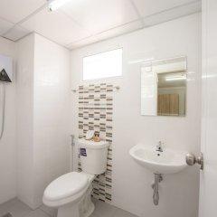 U Sabai Hotel Бангкок ванная