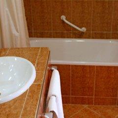 Отель Continental Марокко, Танжер - отзывы, цены и фото номеров - забронировать отель Continental онлайн ванная фото 2