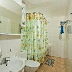 Гостиница Mayak Inn в Уссурийске отзывы, цены и фото номеров - забронировать гостиницу Mayak Inn онлайн Уссурийск ванная