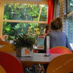 Отель Stayokay Amsterdam Vondelpark - Hostel Нидерланды, Амстердам - отзывы, цены и фото номеров - забронировать отель Stayokay Amsterdam Vondelpark - Hostel онлайн питание фото 4