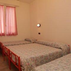 Отель Parigi Италия, Римини - отзывы, цены и фото номеров - забронировать отель Parigi онлайн комната для гостей фото 3