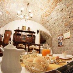 Отель Casa Mario Lupo Италия, Бергамо - отзывы, цены и фото номеров - забронировать отель Casa Mario Lupo онлайн гостиничный бар