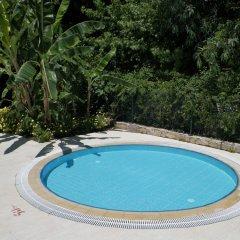 Hotel Club-E бассейн