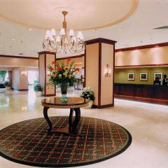 Отель Chestnut Residence and Conference Centre - University of Toronto интерьер отеля фото 3