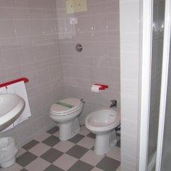 Отель Garden Италия, Ноале - отзывы, цены и фото номеров - забронировать отель Garden онлайн ванная фото 2