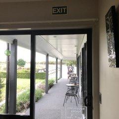 Отель Lake Brunner Accommodation and Golf Course интерьер отеля фото 2