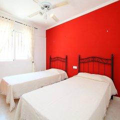 Отель Casa Joli, Tossal Gros - Three Bedroom Испания, Фуэнте-Энкаррос - отзывы, цены и фото номеров - забронировать отель Casa Joli, Tossal Gros - Three Bedroom онлайн комната для гостей фото 5