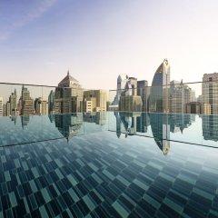 Отель Sindhorn Midtown Бангкок бассейн