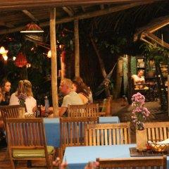 Отель Under the coconut tree развлечения