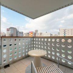 Отель The OneFive Villa Fukuoka Фукуока балкон