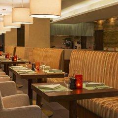 Отель DoubleTree by Hilton Hotel and Residences Dubai Al Barsha ОАЭ, Дубай - 1 отзыв об отеле, цены и фото номеров - забронировать отель DoubleTree by Hilton Hotel and Residences Dubai Al Barsha онлайн питание фото 2