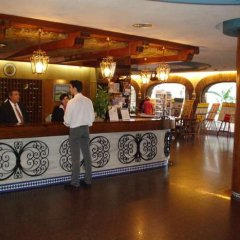 Отель Apartamentos Bajondillo интерьер отеля