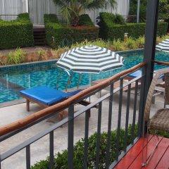 Отель Lemon Grass Retreat бассейн
