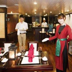 Отель Legend Halong Private Cruise гостиничный бар