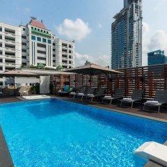 Отель Citrus Suites Sukhumvit 6 By Compass Hospitality Бангкок бассейн фото 2