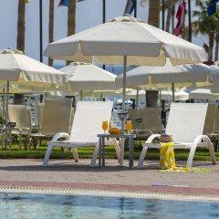 Anastasia Beach Hotel бассейн