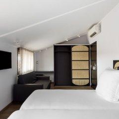 Astoria Hotel сейф в номере