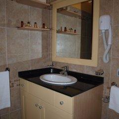Отель La Casarana Resort & Spa Италия, Пресичче - отзывы, цены и фото номеров - забронировать отель La Casarana Resort & Spa онлайн ванная фото 2