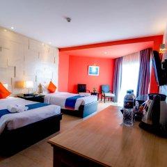 Отель Sea Breeze Jomtien Resort комната для гостей фото 2