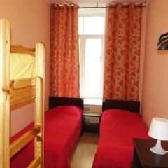 Хостел Бабушка Хаус Стандартный номер с двуспальной кроватью фото 9