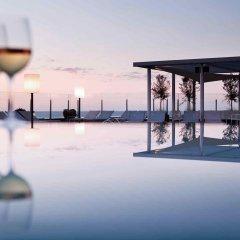 Отель Pullman Barcelona Skipper пляж