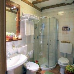 Отель La Roche Hotel Appartments Италия, Аоста - отзывы, цены и фото номеров - забронировать отель La Roche Hotel Appartments онлайн ванная фото 2