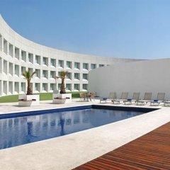 Отель Nh Collection Mexico City Airport T2 Мехико бассейн