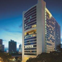 Отель Maya Kuala Lumpur Малайзия, Куала-Лумпур - 6 отзывов об отеле, цены и фото номеров - забронировать отель Maya Kuala Lumpur онлайн вид на фасад