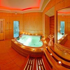 Отель Голден Пэлас Санкт-Петербург бассейн