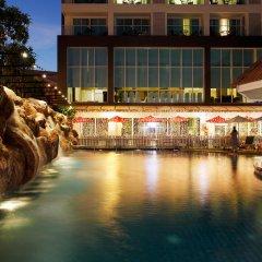 Centara Pattaya Hotel бассейн