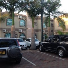 Отель Planet Lodge 2 Габороне парковка