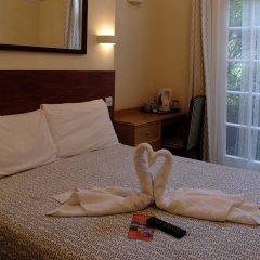 Отель Charlotte Guest House Лондон в номере