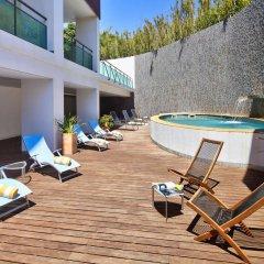 Отель Villa Doris Suites бассейн