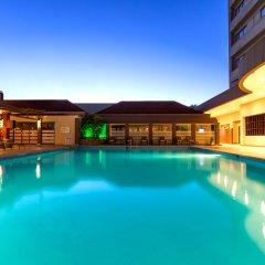 Отель Crowne Plaza San Jose Corobici бассейн