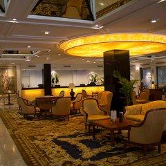 Отель The Tawana Bangkok интерьер отеля