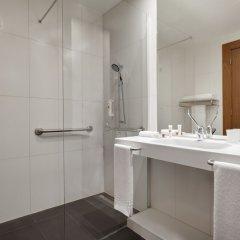 Отель Ramada by Wyndham Lisbon ванная фото 2