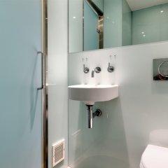 Отель Ambassadors Bloomsbury Великобритания, Лондон - отзывы, цены и фото номеров - забронировать отель Ambassadors Bloomsbury онлайн ванная фото 2